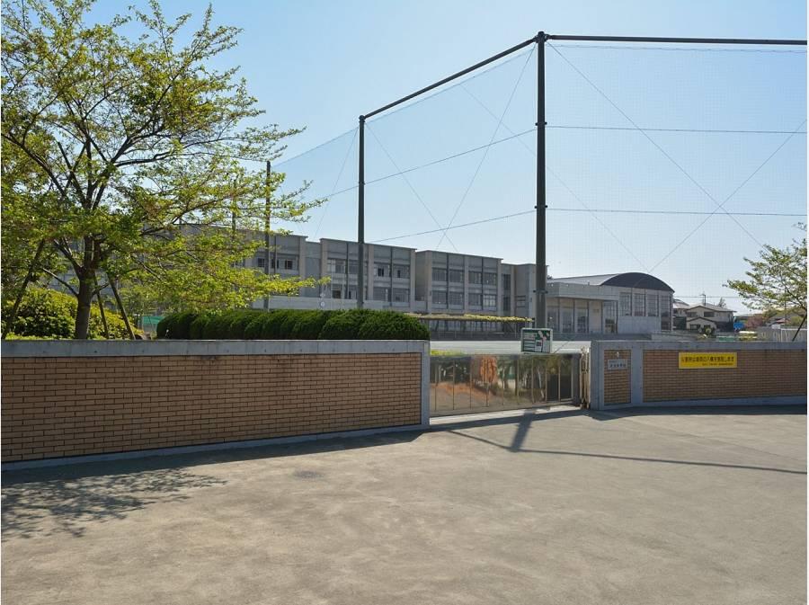 片瀬中学校徒歩5分(徒歩360m)