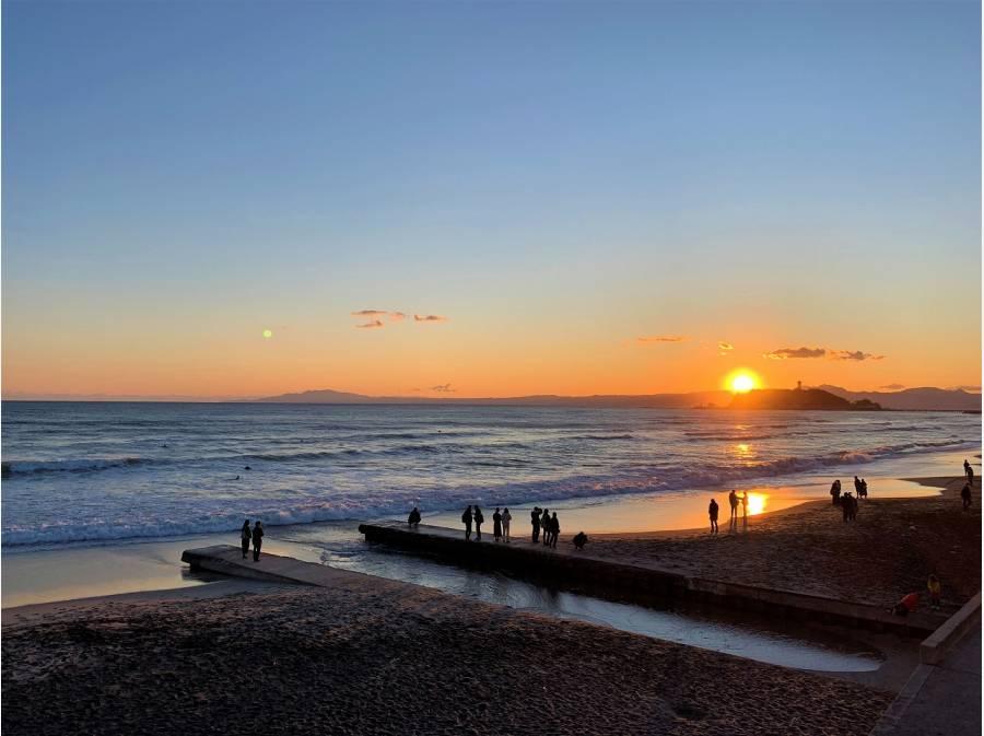 ビーチに夕陽を眺めに行くのも贅沢ですね。