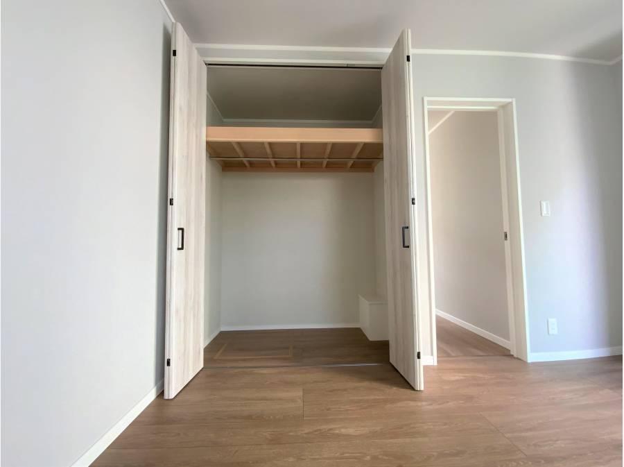 居室収納、各居室収納あります。