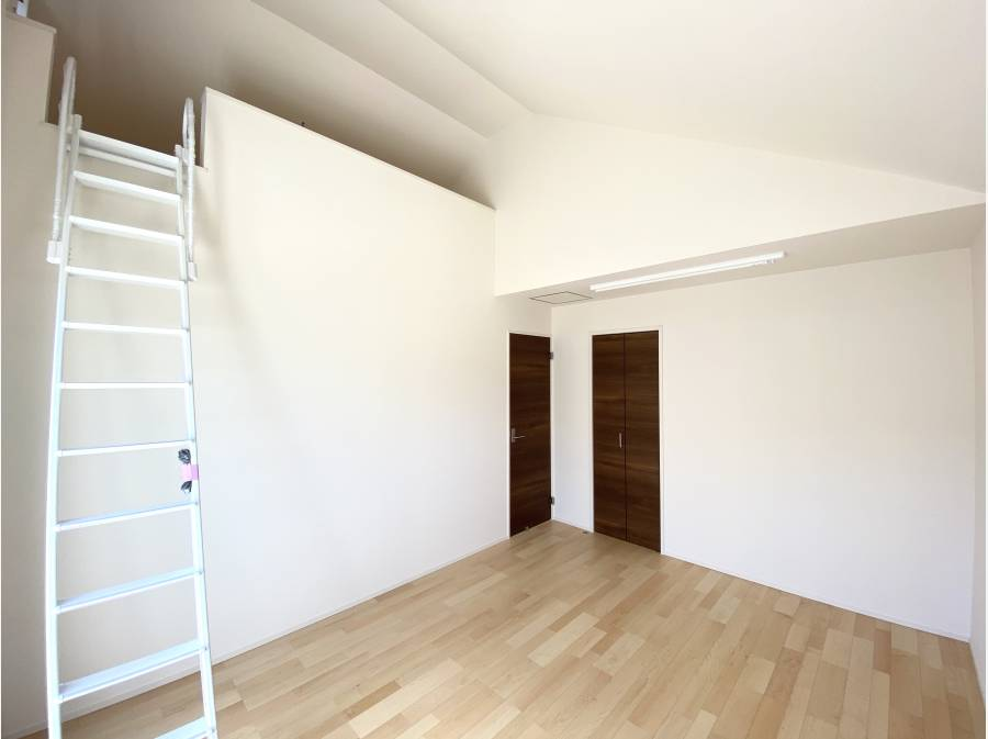7.875帖の主寝室にはロフトも完備