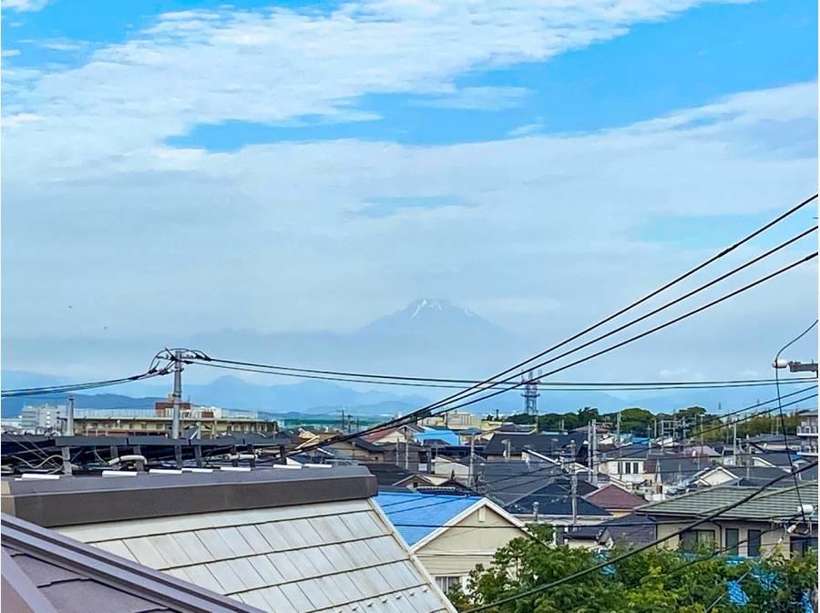 室内から望む富士山です♪