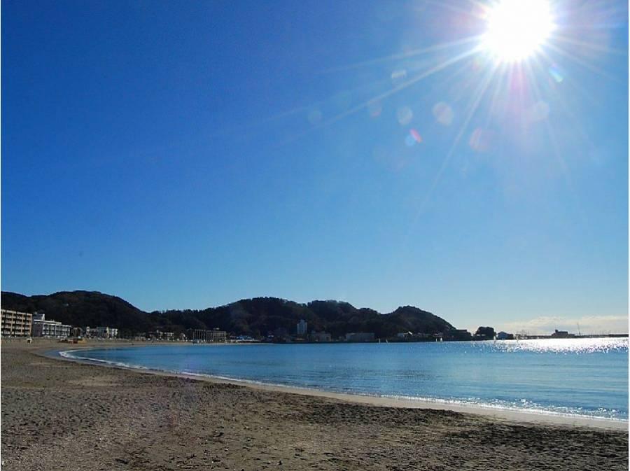 逗子海岸まで徒歩7分(約560m)