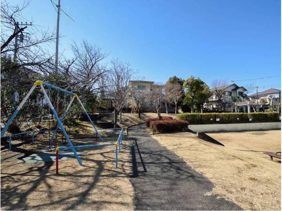 西羽根沢公園まで徒歩3分(約240m)