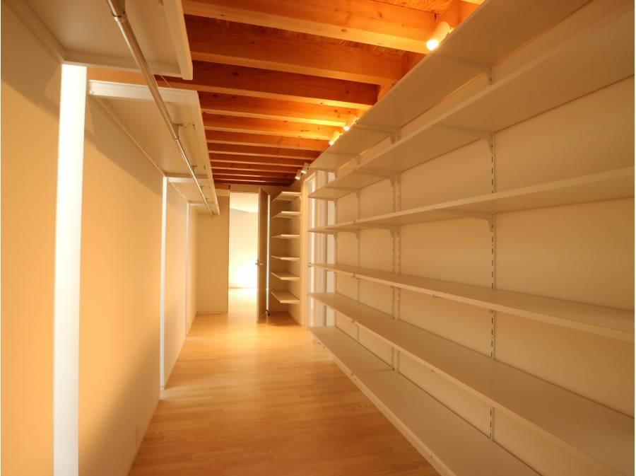 廊下という概念をなくすクロークホール