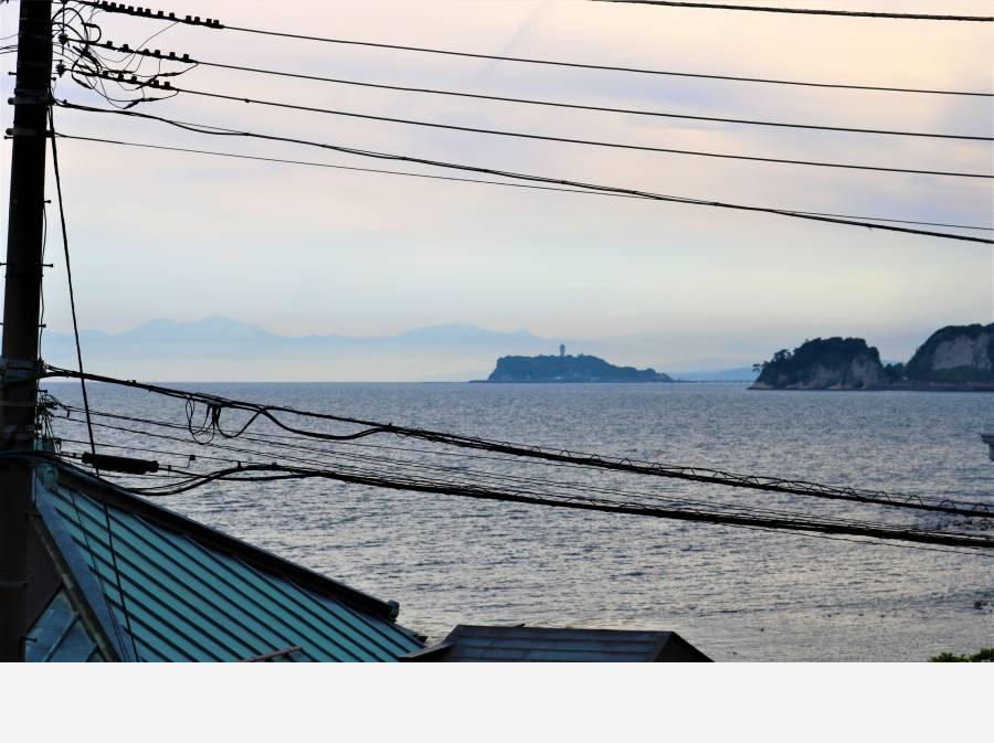 広がる眺望の先に江ノ島
