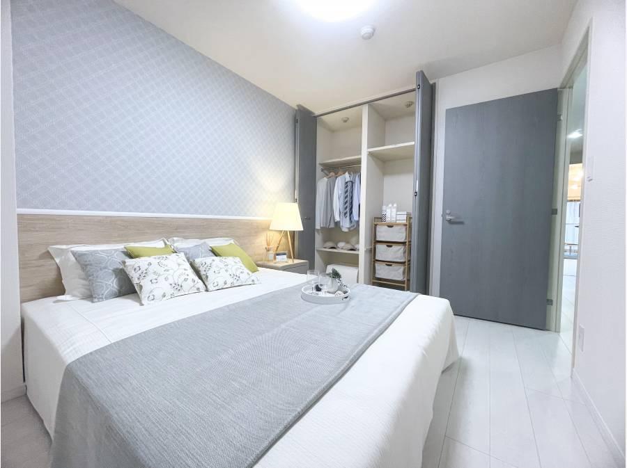 主寝室は広々、収納もしっかり