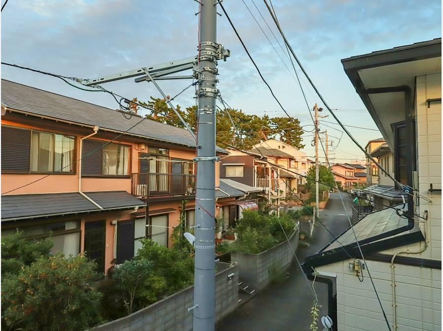 茅ヶ崎の南側らしいどこかノスタルジックな潮の香りが漂う街並みです