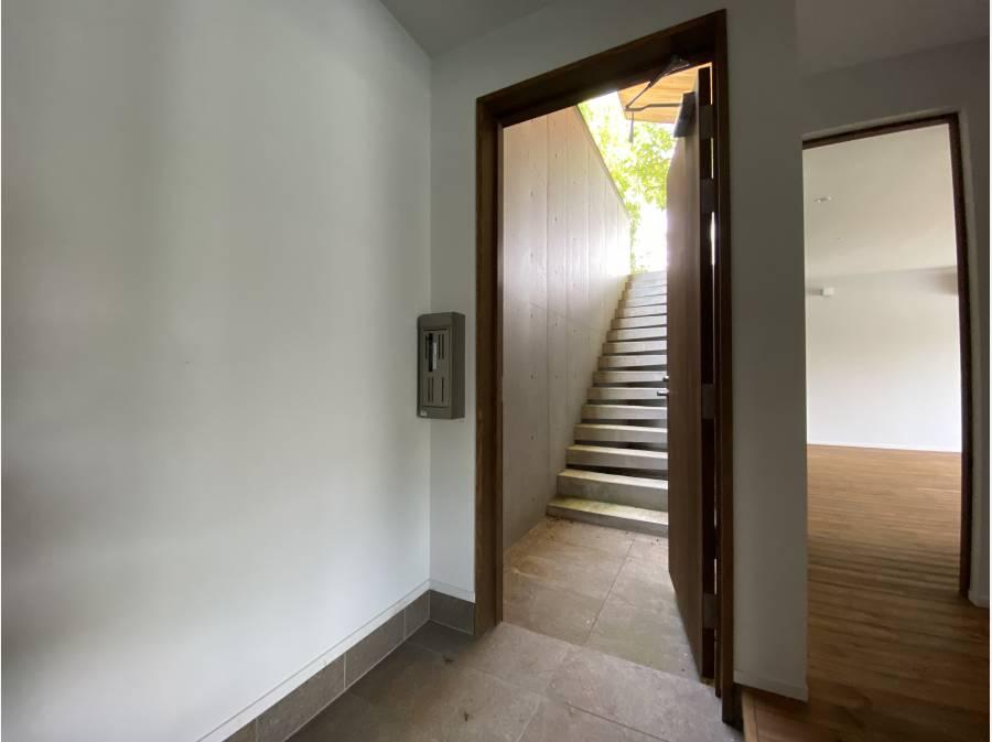 玄関スペースはとてもゆとりがあります。