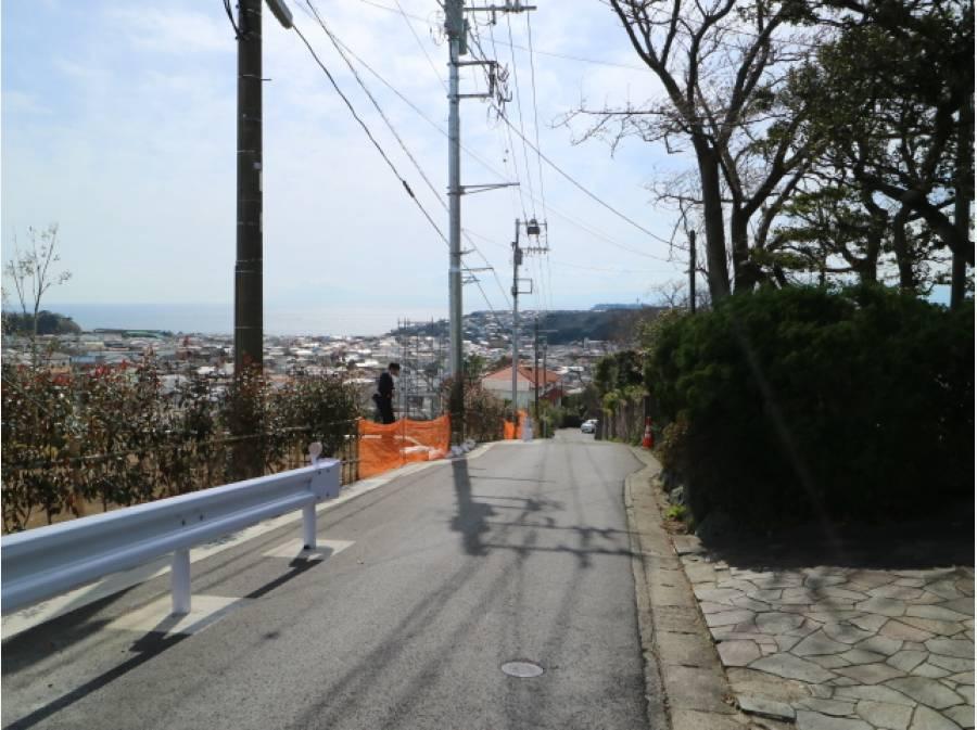 前面道路もしっかり幅員があります