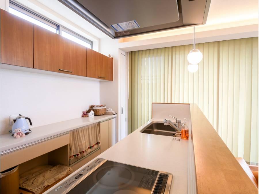 アイランドキッチンからも眺望を愉しめ使い勝手とデザインも拘りが