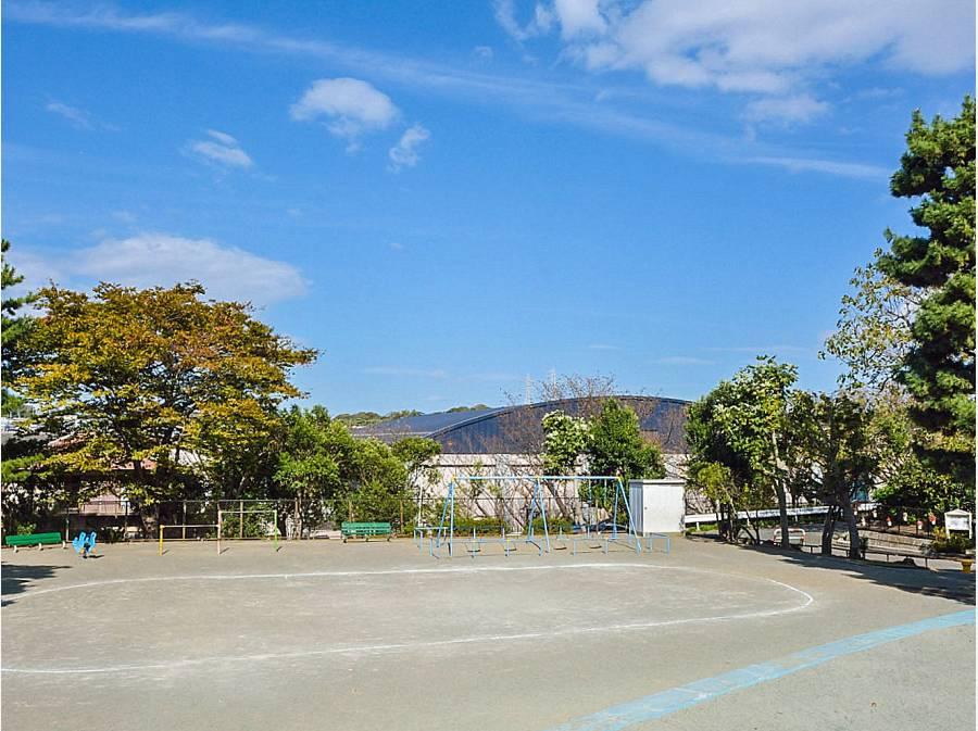片瀬山西公園 約400m