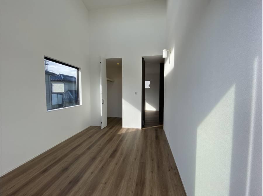 収納スペースは各居室にしっかり確保。
