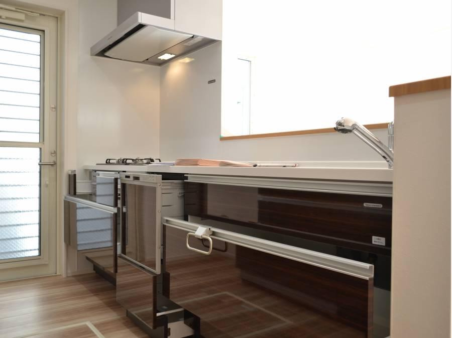 ビルトイン洗浄機付システムキッチン!