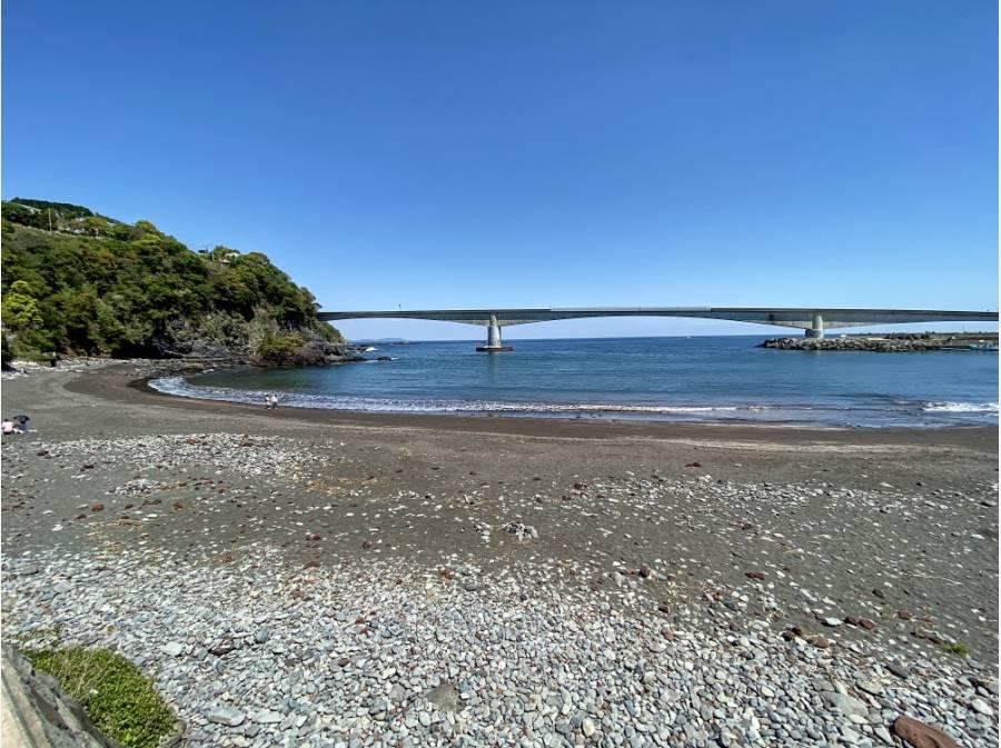 適度なサイズの海岸は、プライベートビーチのような錯覚を起こします