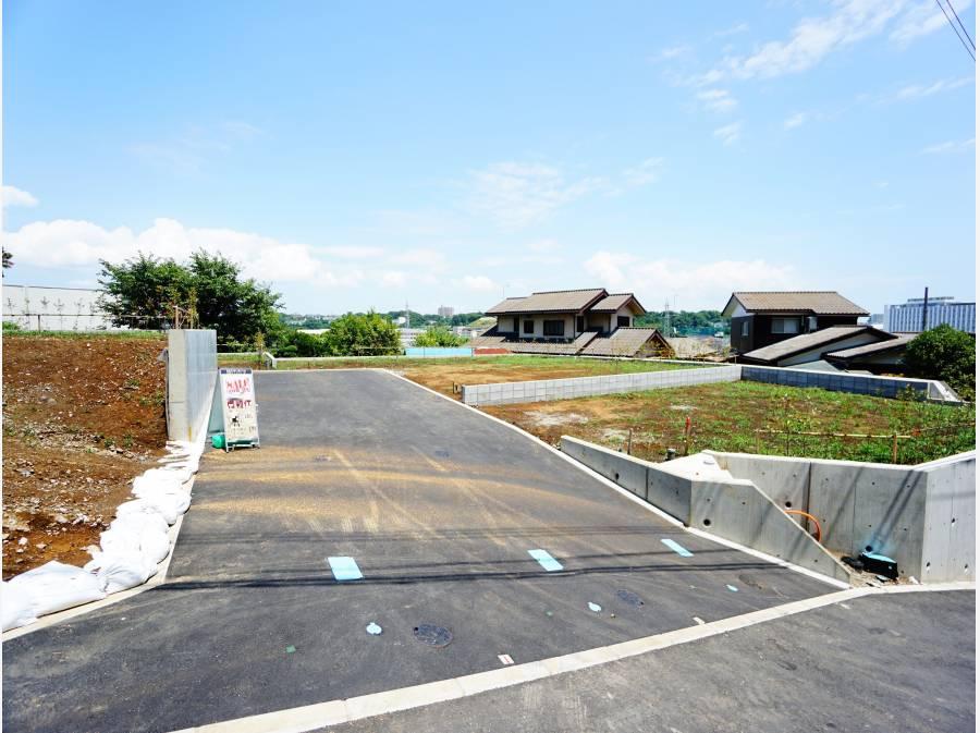 新設された前面道路。
