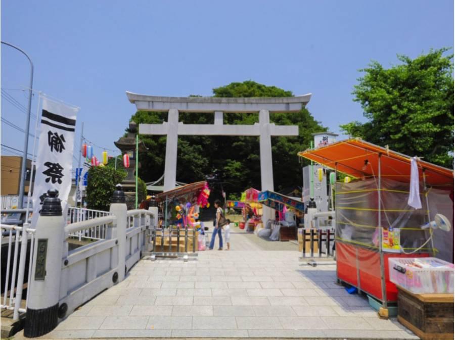 四季を感じられるイベントが多数。白旗神社(約1km、徒歩13分)