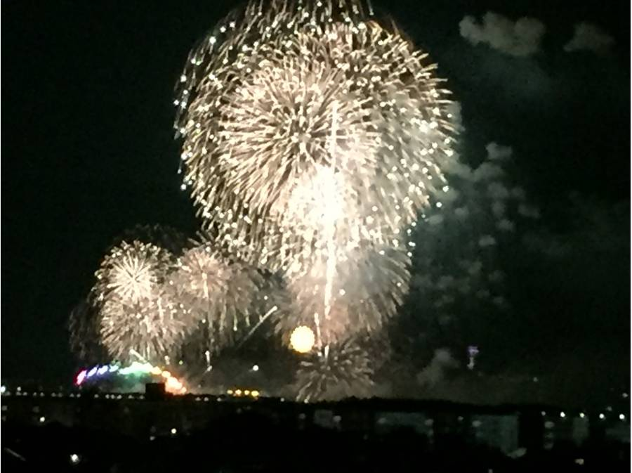 江の島の花火大会も一望できます!(オーナー様提供写真)