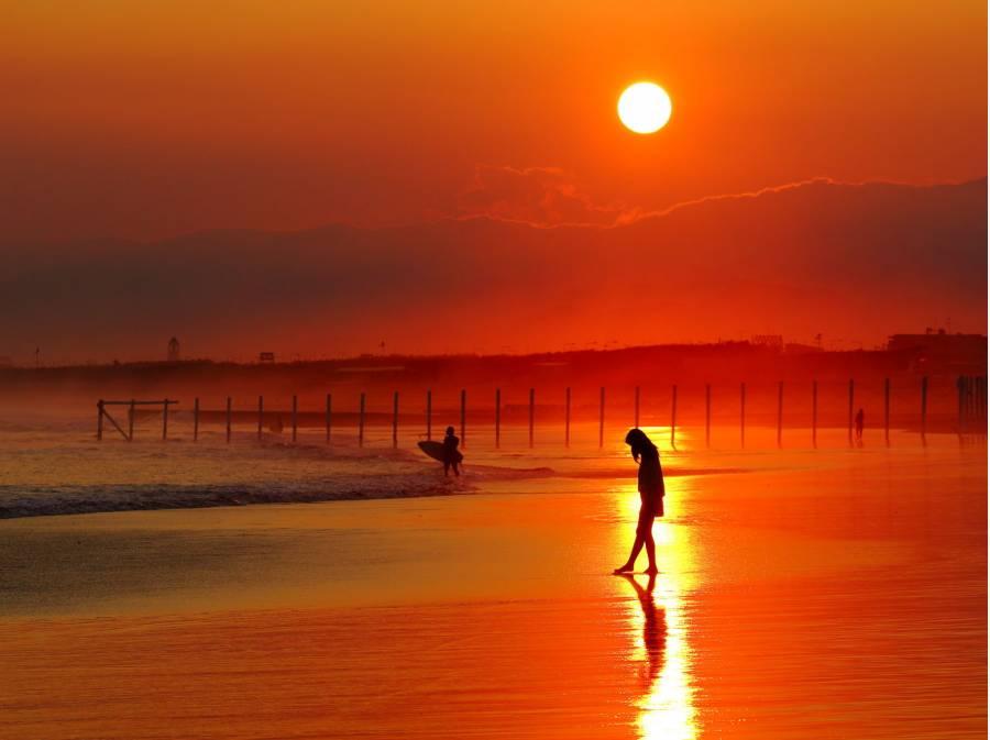 片瀬西浜(片瀬江ノ島駅より約600m)の風景、江ノ島水族館通えます。