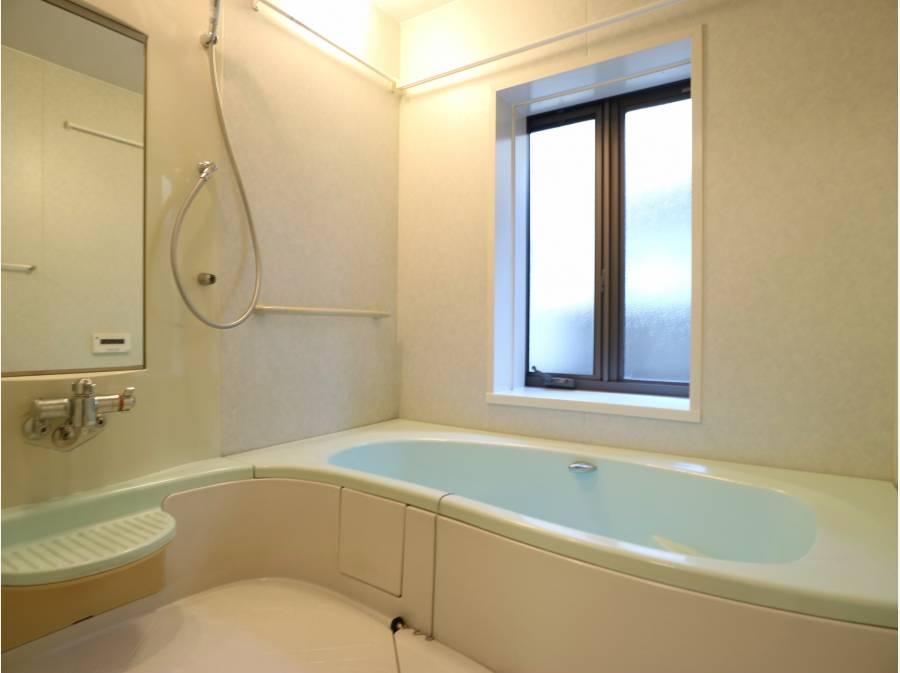綺麗な状態のバスルームです