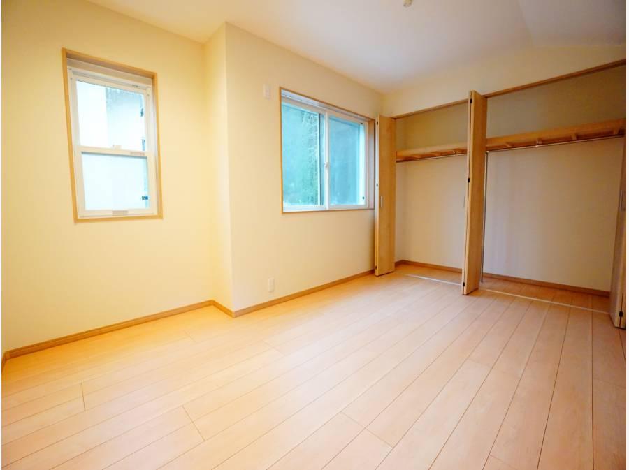 各室に収納スペースがございます。