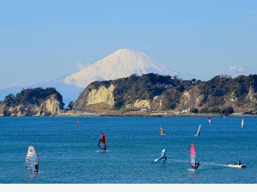 現地より2800mで海岸に到着、富士山を眺めに材木座へ自転車で10分!