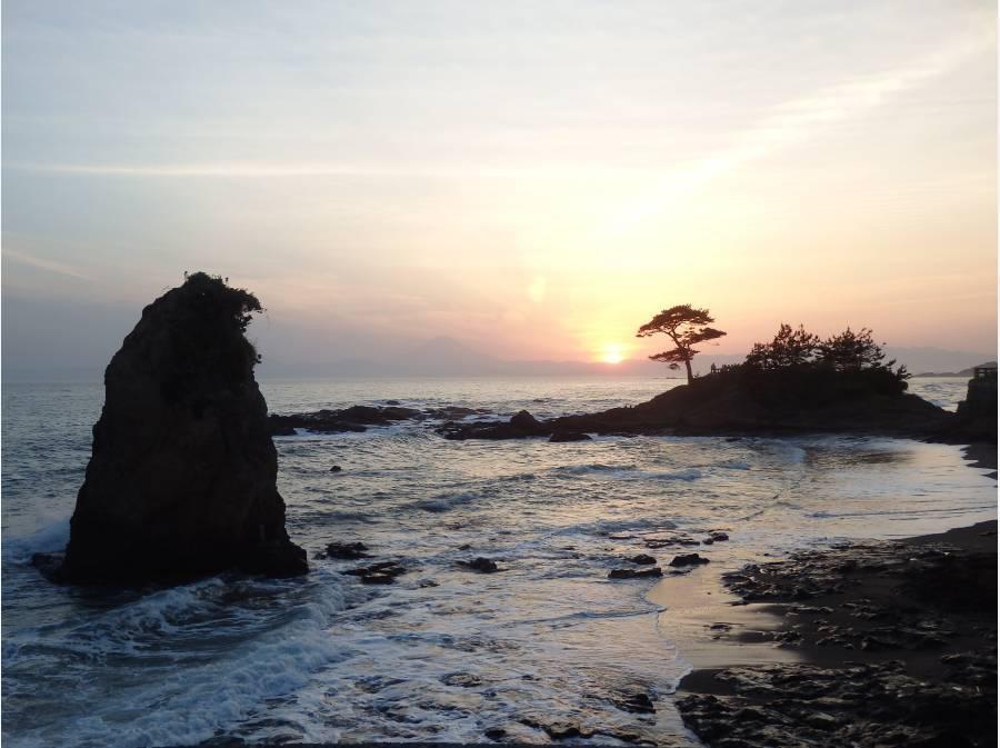 神奈川の景勝50選に選ばれる「立石公園」(約2.4km)。