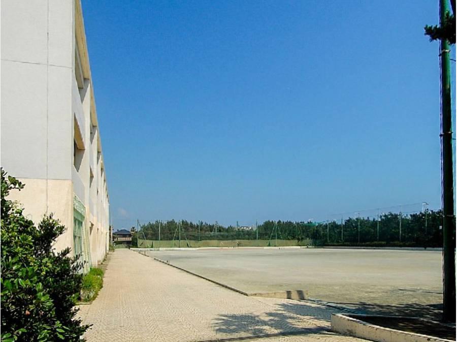 湘洋中学校まで徒歩8分(約640m)