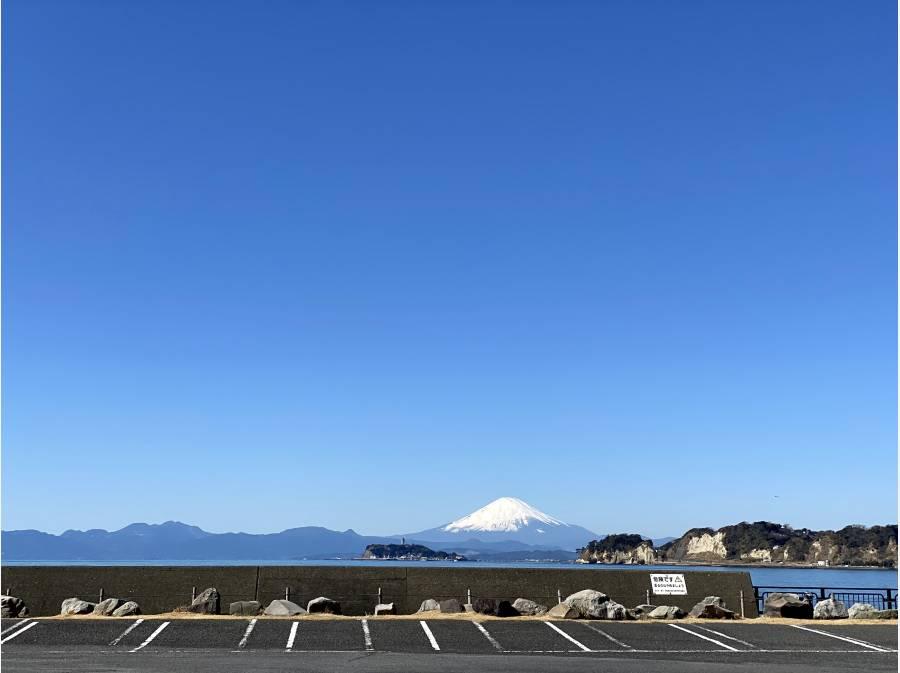 敷地内から江の島、富士山、海一望