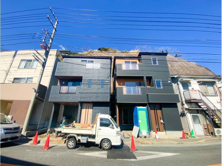 右側のお家です。