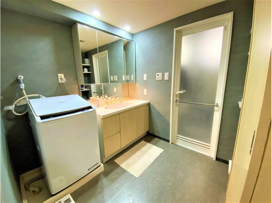 洗面スペースが通常の1.5倍の広さを誇ります!