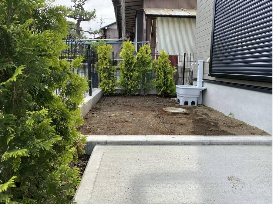 小庭もございます。