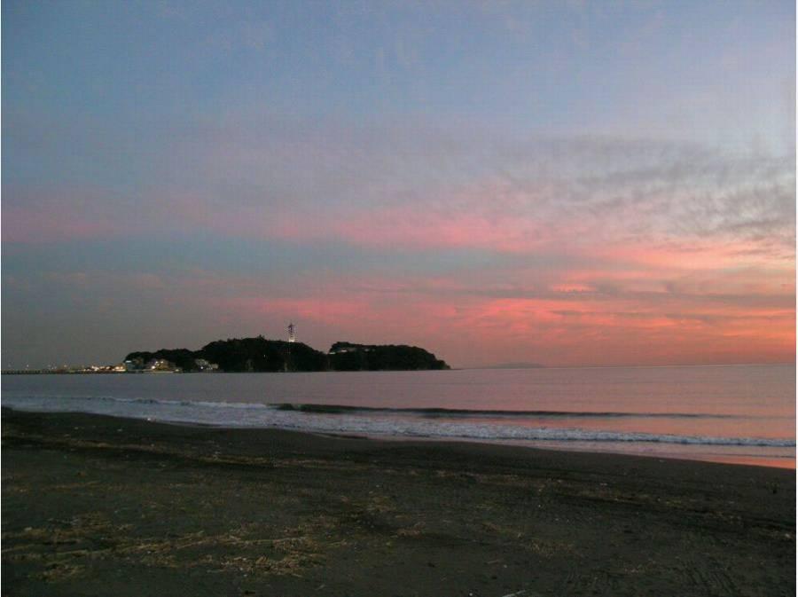 鵠沼海岸(約850m)で、お散歩やサーフィン♪