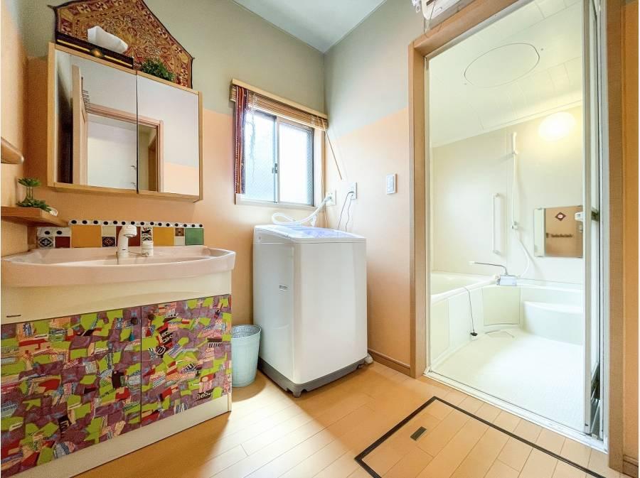 お洒落で綺麗は洗面化粧室&バスルーム