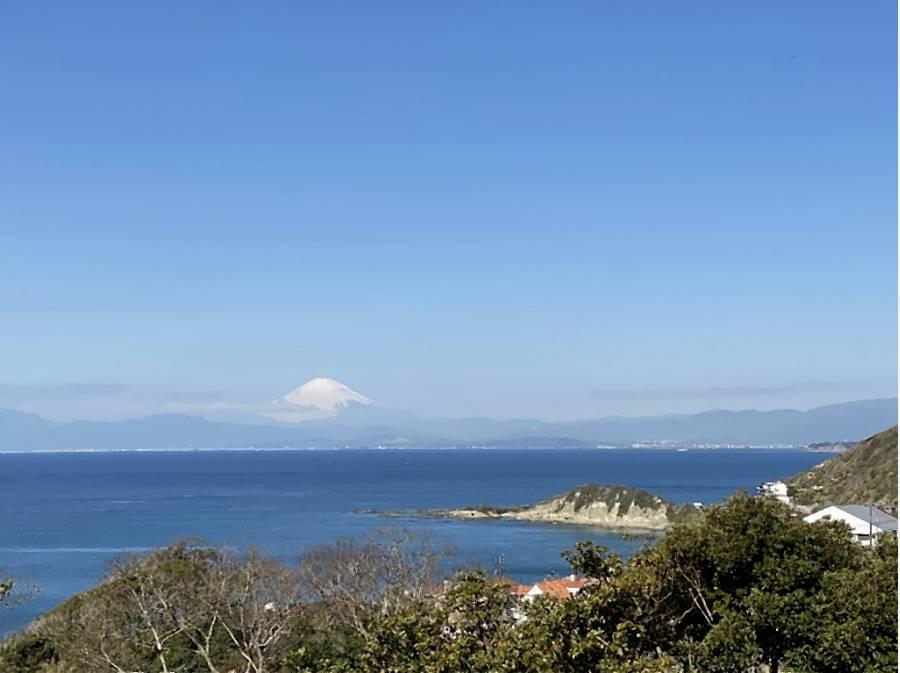 正面に富士山を望めます。