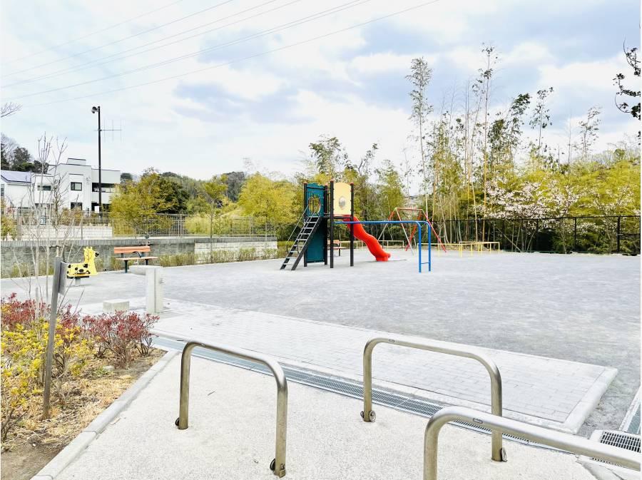 開発敷地内の公園(250m)