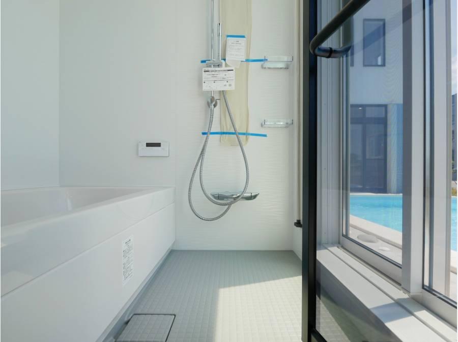 バスルームからプールサイドに直接出入りが可能です。