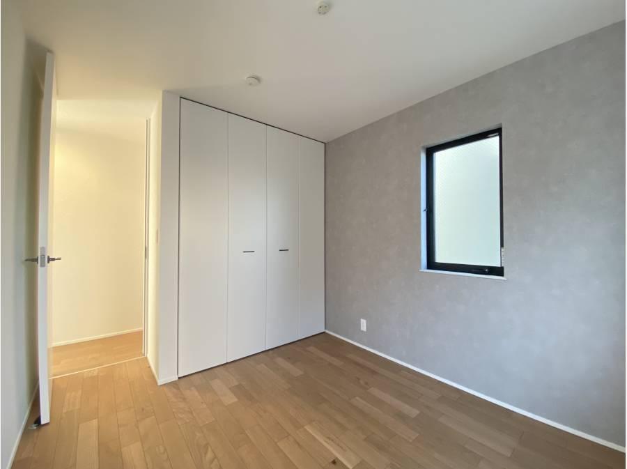納戸 約5.3帖 2部屋ございます。