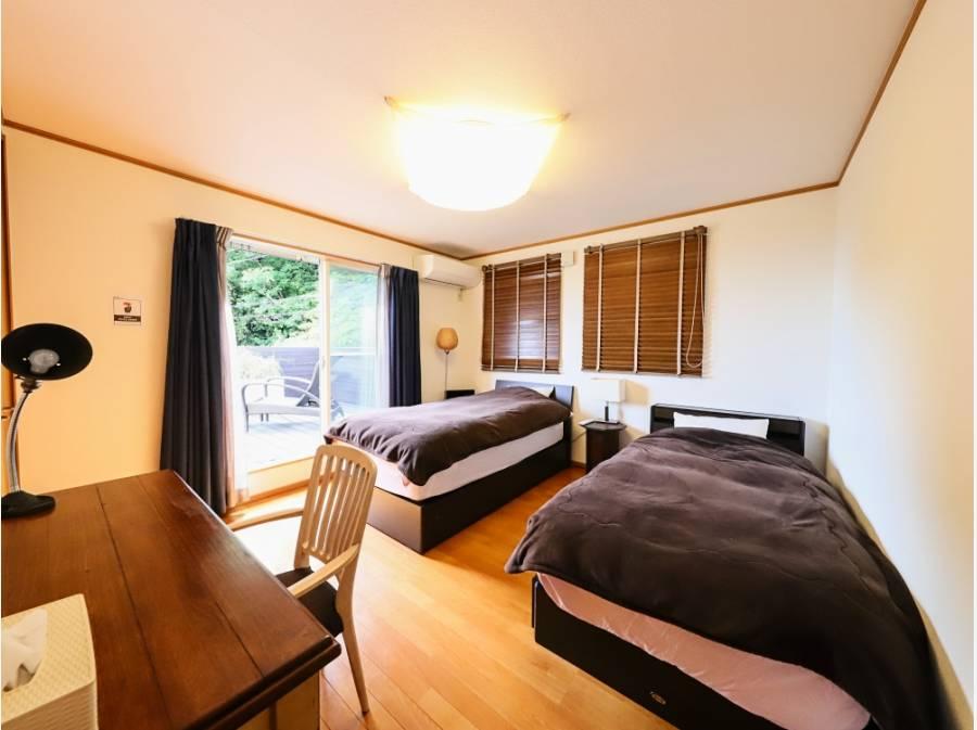 各寝室も6帖、6帖、8帖と広さは十分ございます