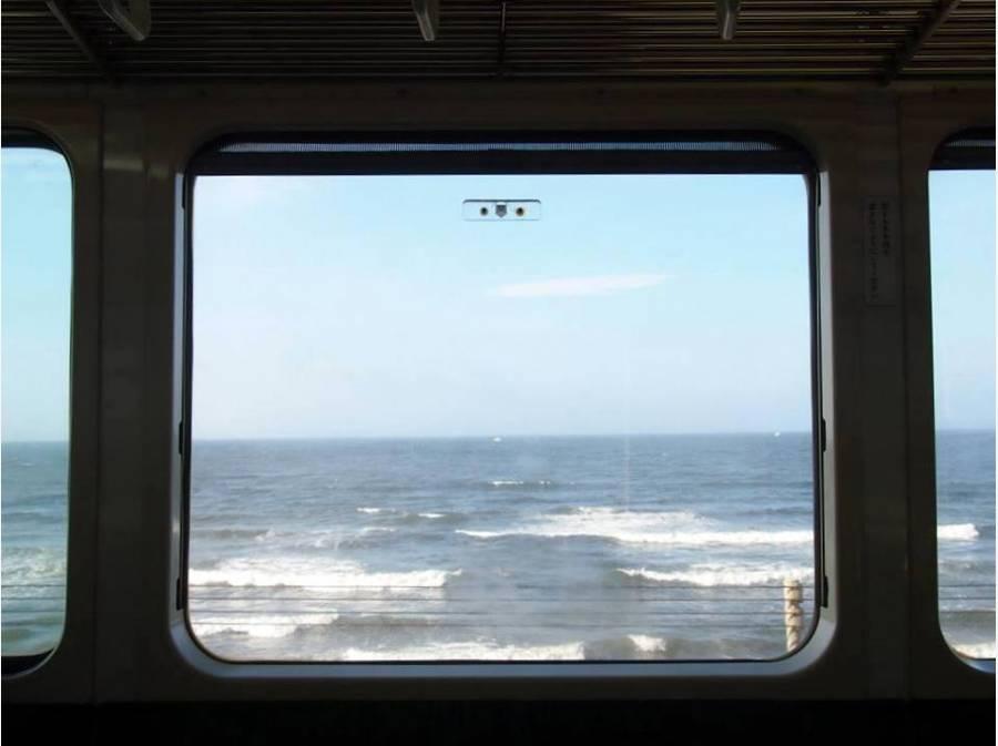 毎日海を眺めながら江ノ電通勤