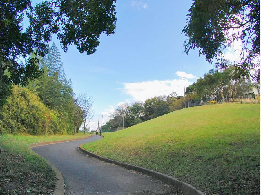 笛田公園まで徒歩10分(約750m)