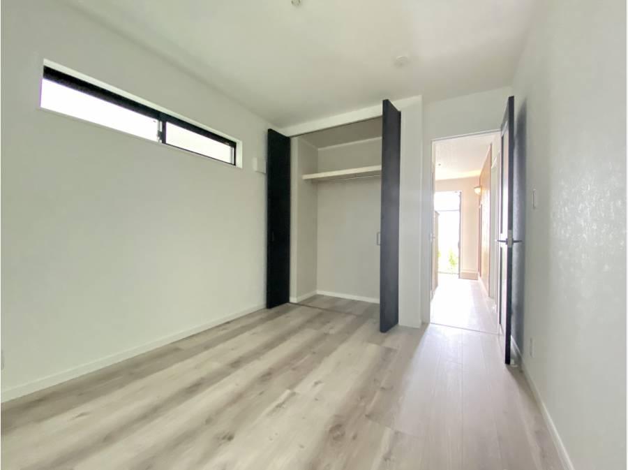 収納も各部屋完備されております。