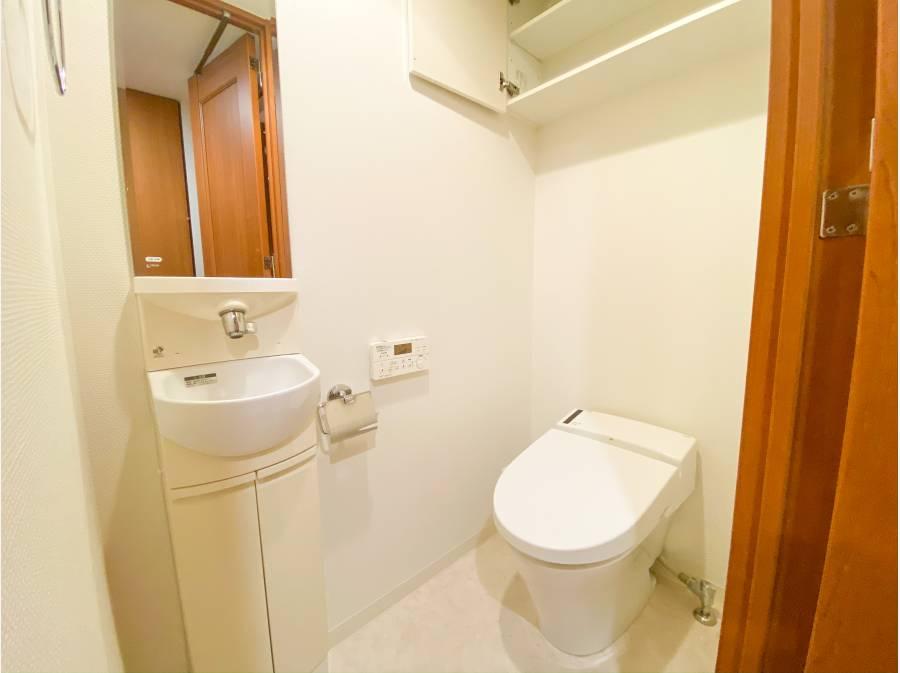 トイレは専用の水栓付き