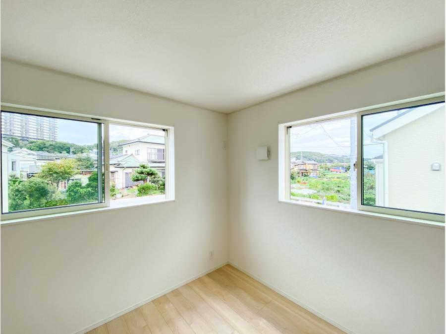 2階の洋室より緑を望みます