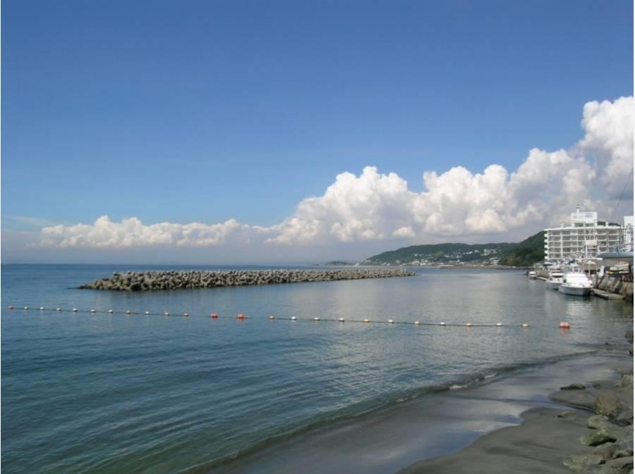 海までは徒歩1分(約20m)