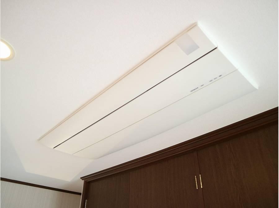 リビングに2基、二階の洋室に1基設置した新品のビルトインエアコン