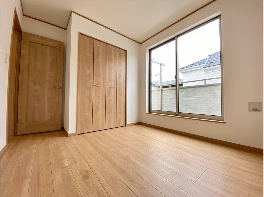 洋室は計3部屋 約7.25帖・約5.25帖・約6帖のお部屋がございます。(各部屋収納付)