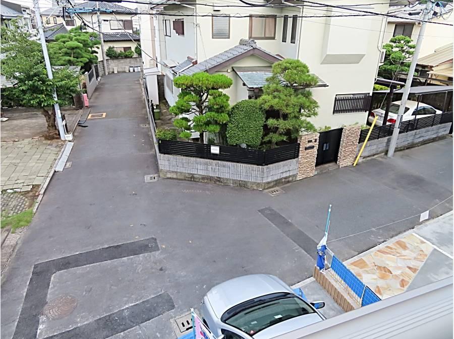 2階から見た前面道路