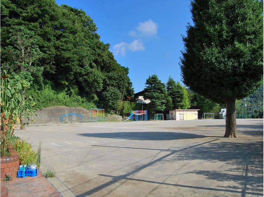 鎌倉市立第二小学校まで約430m