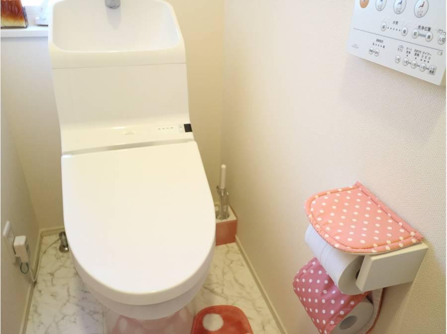 棚付きトイレが便利