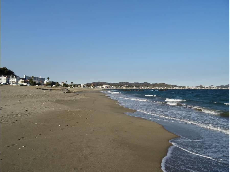 三浦海岸の砂浜まで約160m。気軽に出られます♪